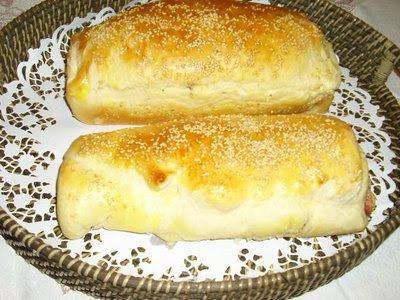 Pão recheado de salame