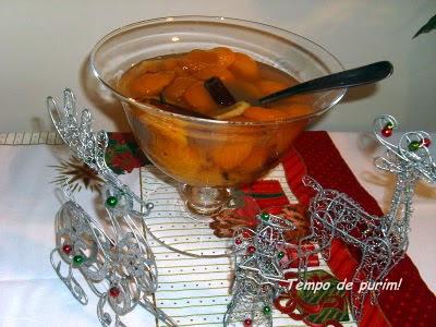 Pêssegos com especiarias (Spiced peaches)