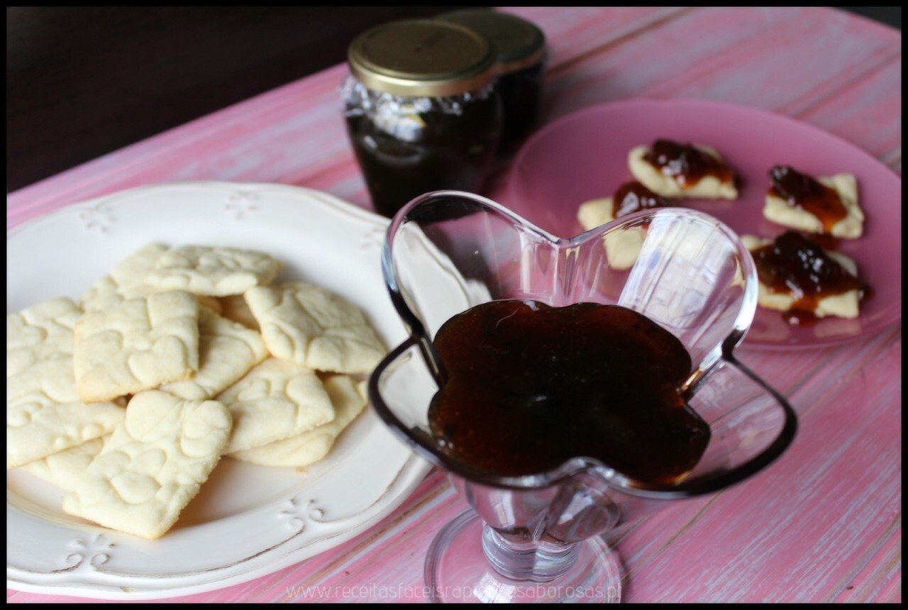 Compota de melão e umas bolachinhas de manteiga e lima para acompanhar ♥♥♥