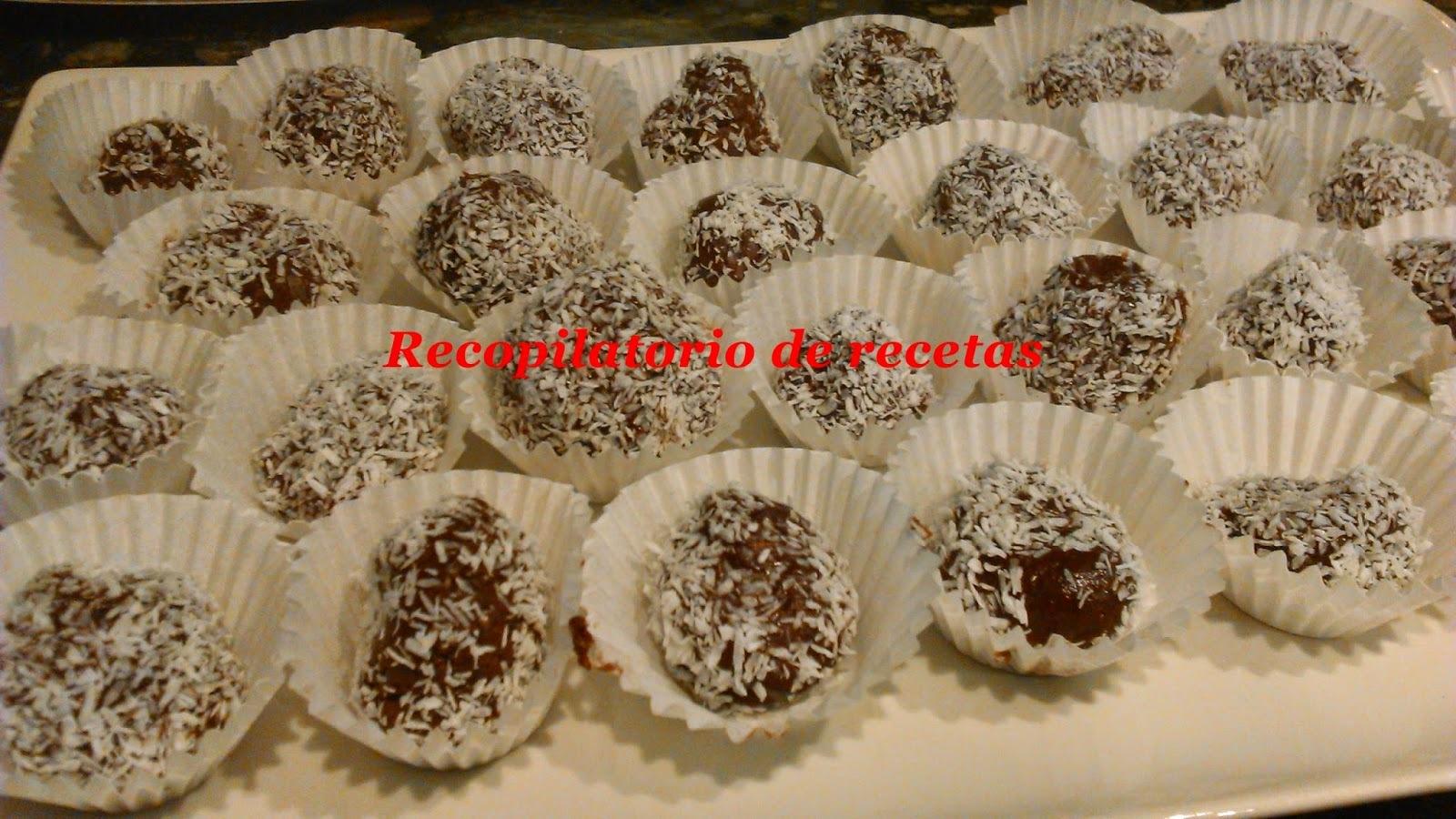 Rocas de chocolate con nueces decoradas con coco en thermomix