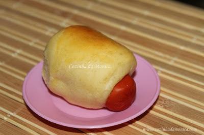 """Enroladinhos de salsicha, doguinhos  ou """"mini-dogs""""."""