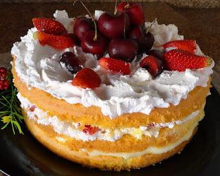 Torta de Limão com Chantilly e Frutas Frescas