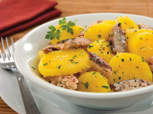 Salada de Mandioquinha com Sardinha