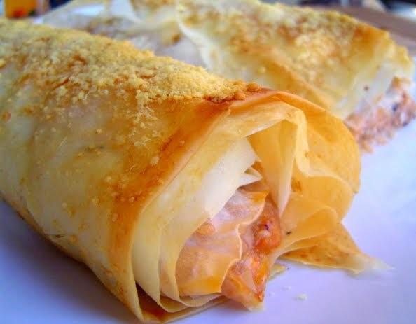 Pastel de Pasta Filo rellena de Carne y Quesos
