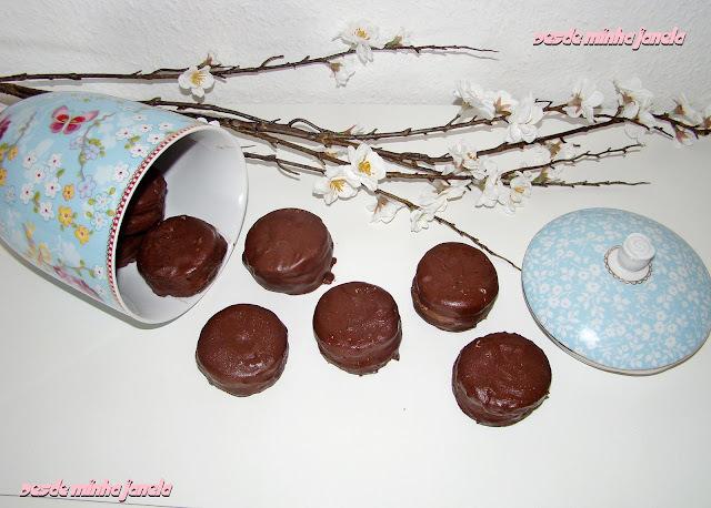 alfajor com biscoito maria
