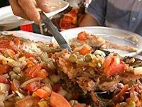 peixe assado com vinagrete e maionese