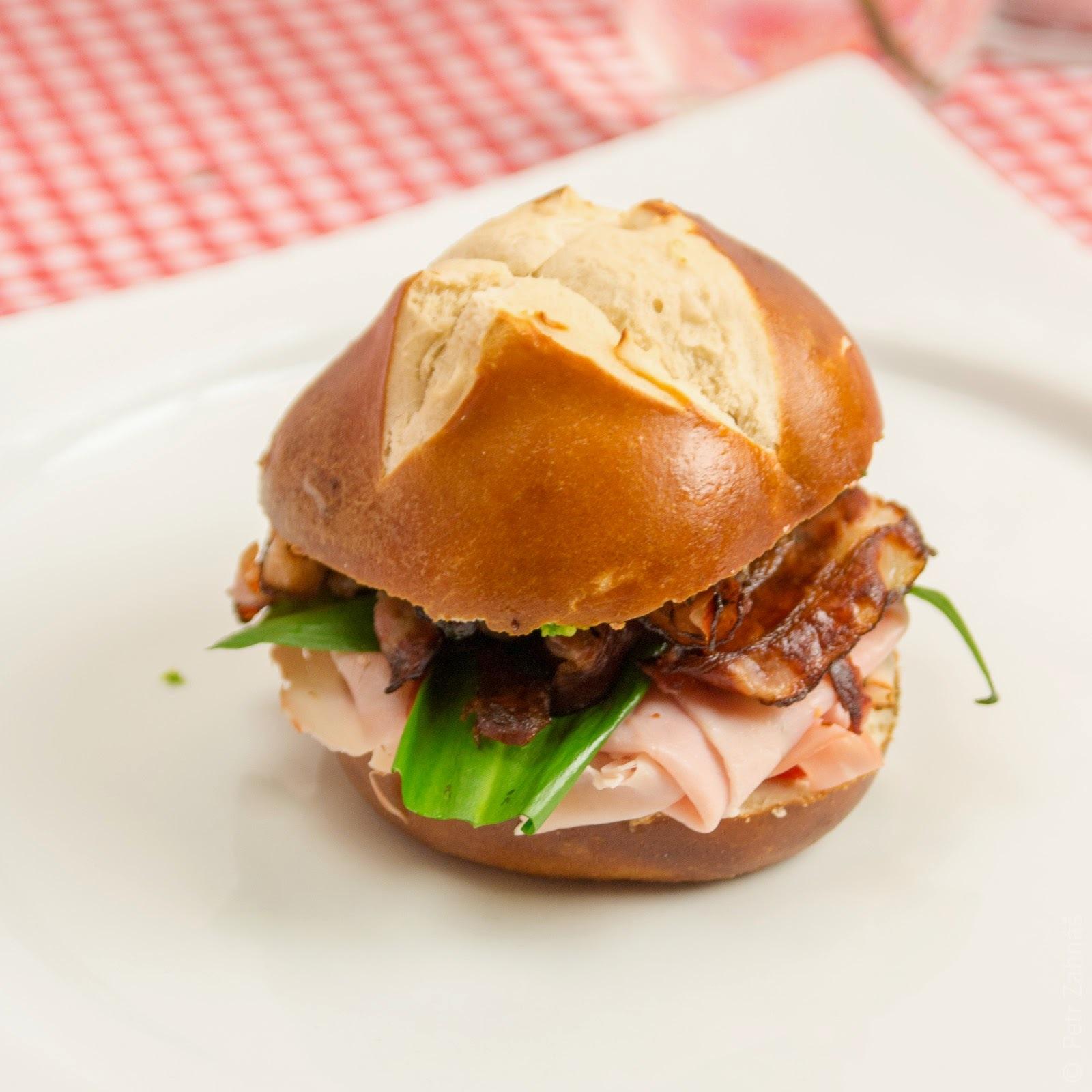 Sandwich match