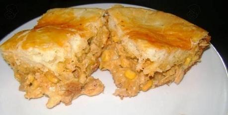 Torta de Frango Mineira