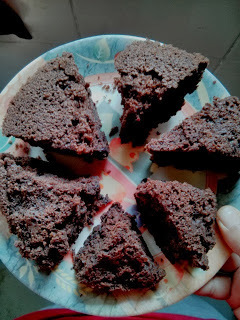 Eggless chocolate cake made in Pressure Cooker