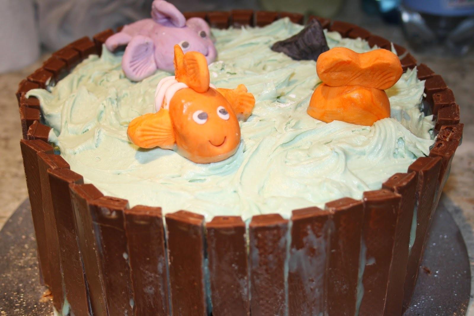 diving cake