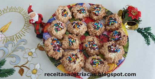 BISCOITO DE COCO – Kokosmakronen mit Schokolade