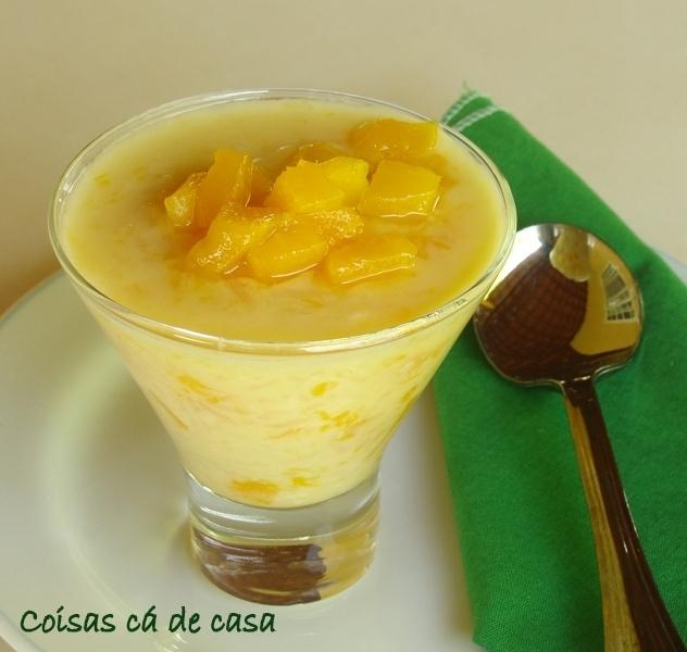 Gelatina de arroz doce com manga e limão siciliano