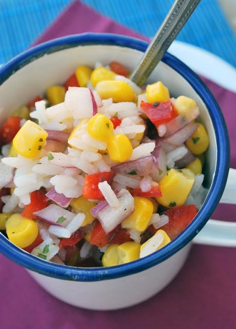 ensalada de arroz con cebolla y pimiento