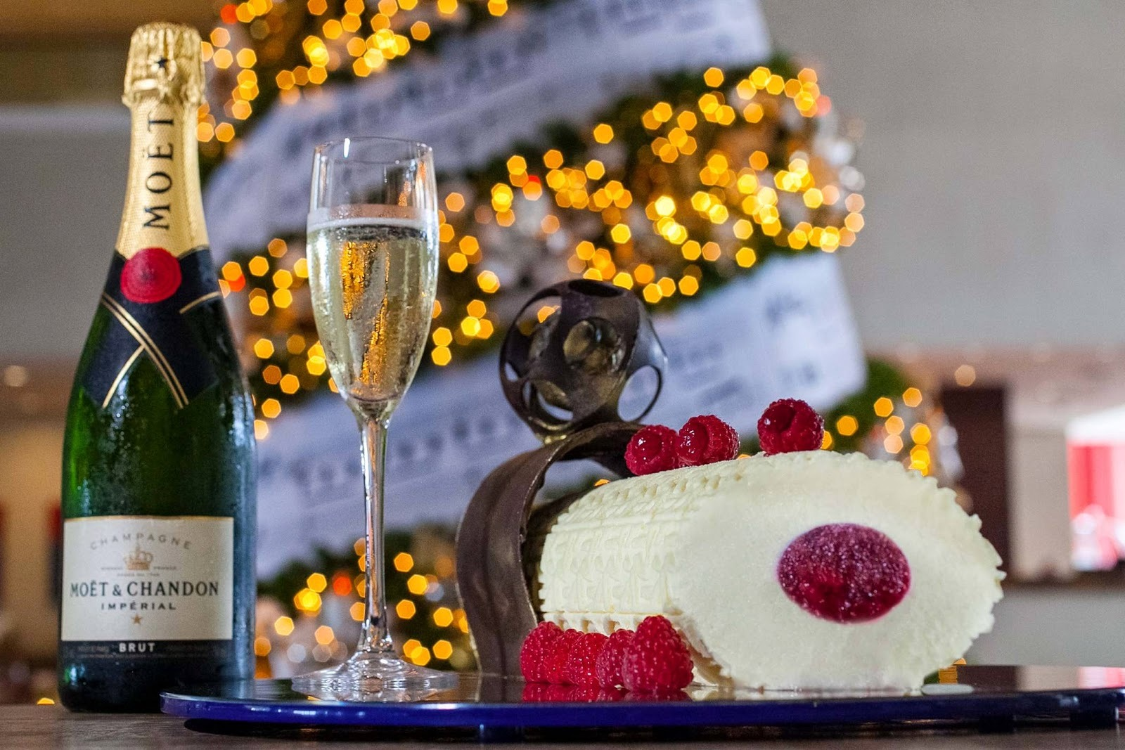 Chef francês cria Bûche de Noel com champanhe Moët & Chandon