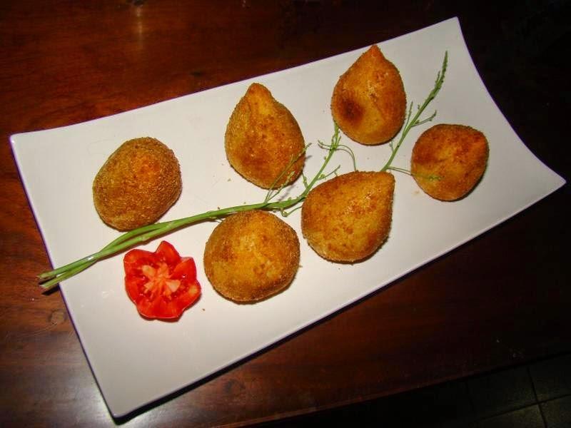 COXINHA DE FRANGO (Muslitos de pollo)
