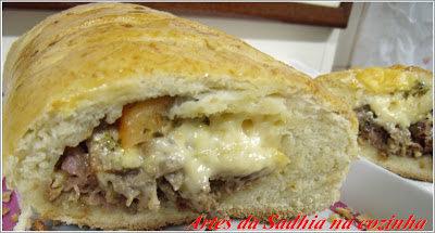 Pão recheado de churrasco e queijo