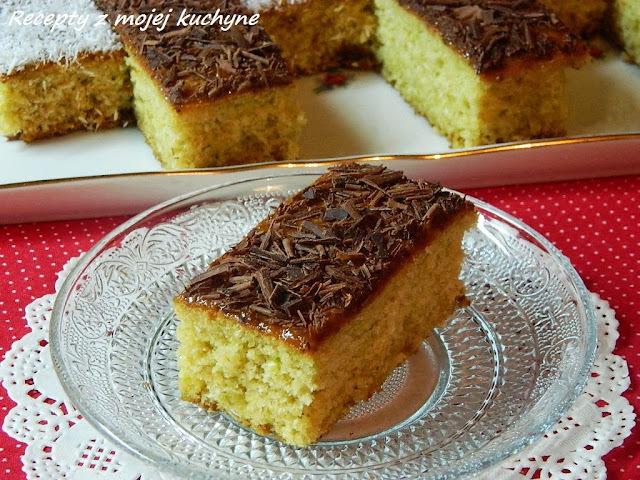 Cuketový koláč s kokosom