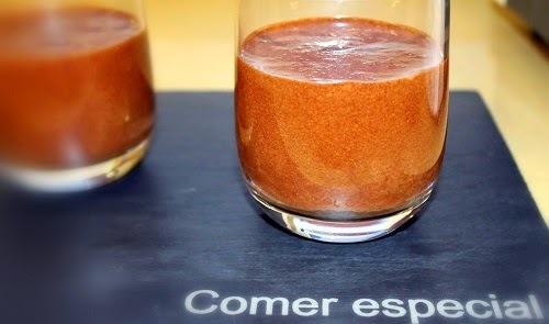 Fácil mousse de chocolate negro sin lactosa