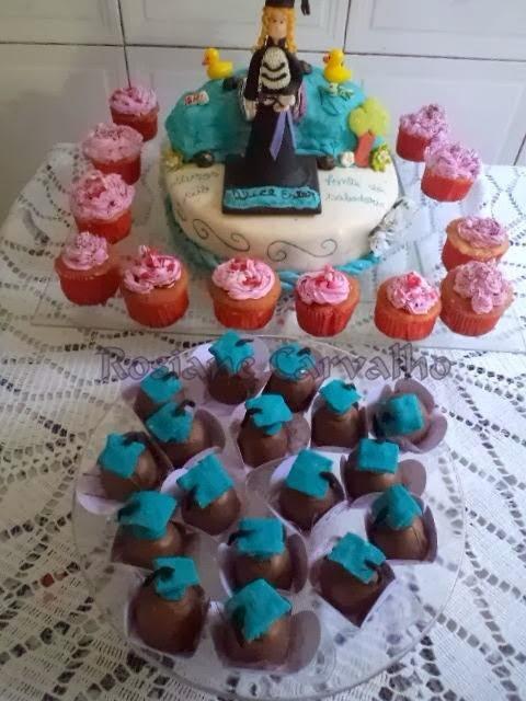 Massa de bolo de festa: Princesas da Rosiane