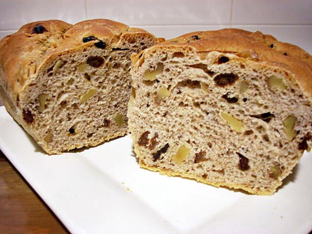 Pan de Canela con Pasas y Nueces