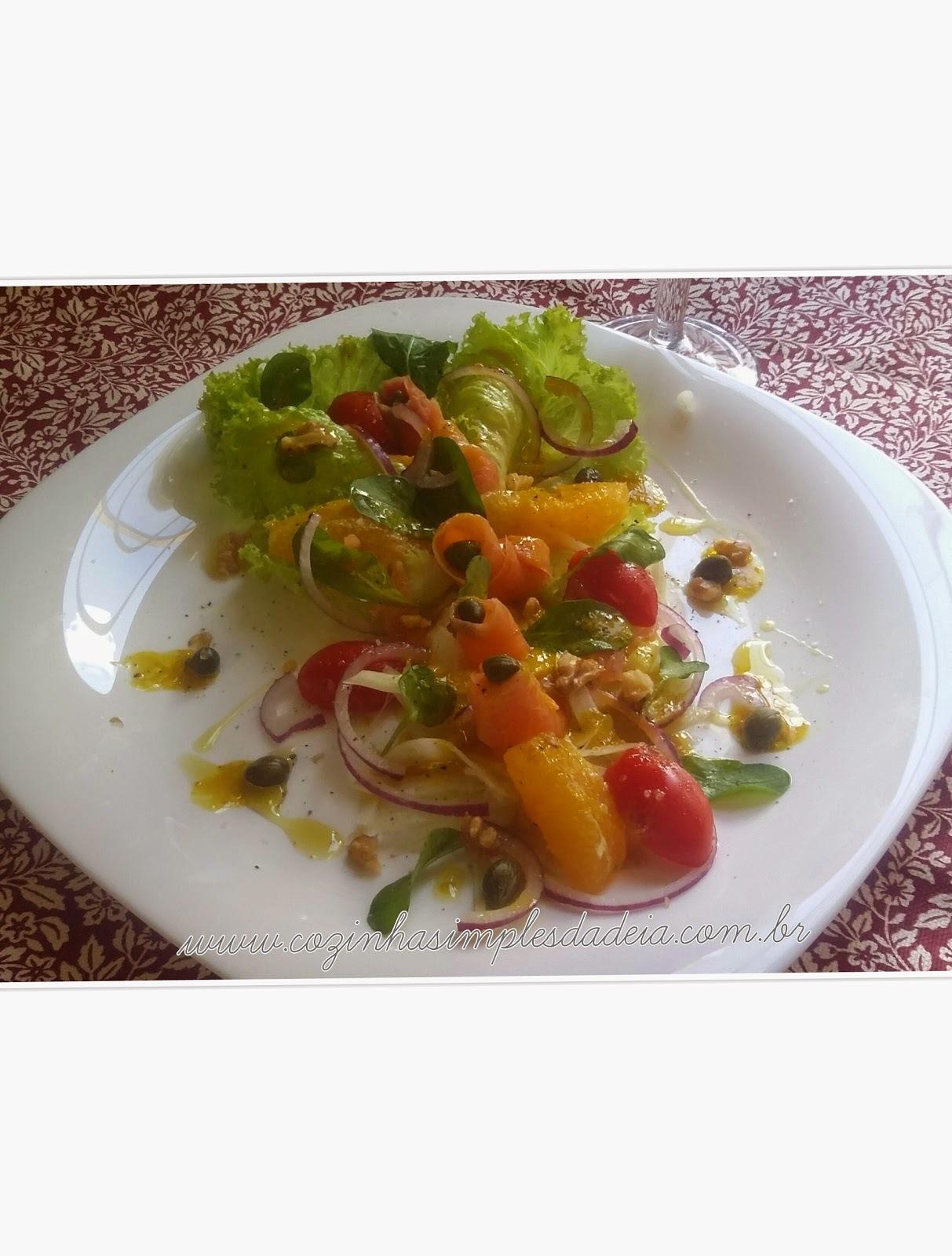 Salada Natalina de Salmão Defumado e Erva Doce