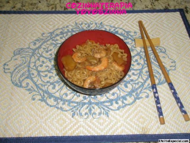 Yakissoba de camarão