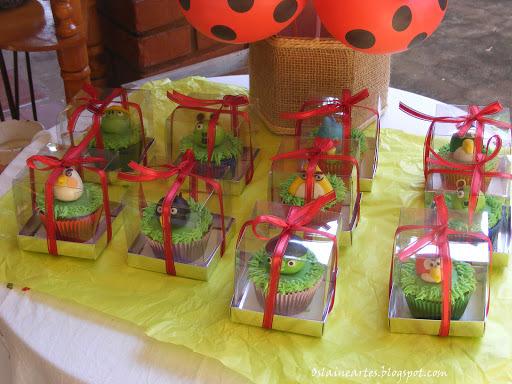 Cupcakes Angry Birds Decorados com Pasta Americana