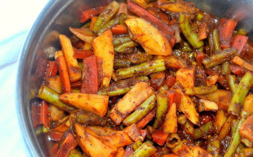 Spicy Veggies in Zero Oil { Chow Chow }