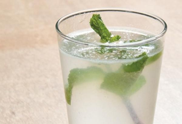 Água Sass - receita desintoxicante para emagrecer