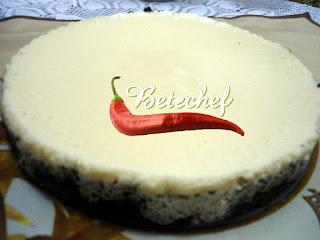 TORTA DE BISCOITO COM COBERTURA DE MOUSSE DE LARANJA