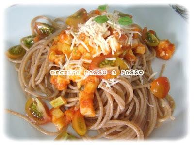 Espaguete Integral com Molho de Palmito e Abobrinha / Whole Grain Spaghetti with Palm Cabbage and Zucchini Sauce