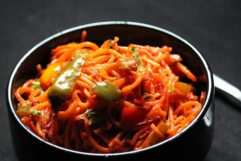 Schezwan Noodles Recipe / Veg Schezwan Noodles Recipe