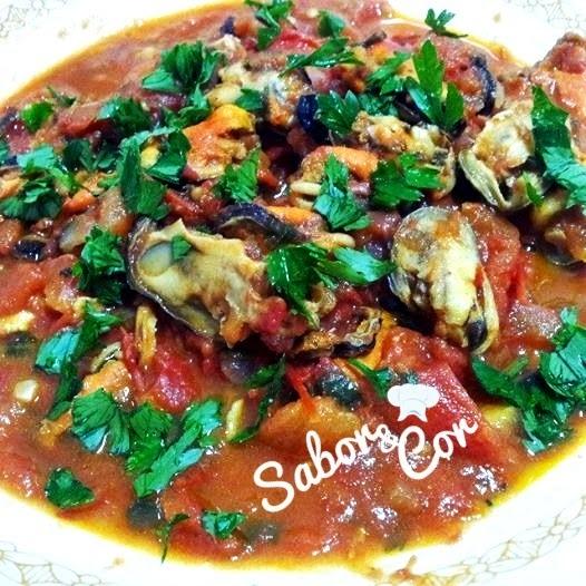 Mexilhões (ou Marisco) ao Tomate e Manjericão