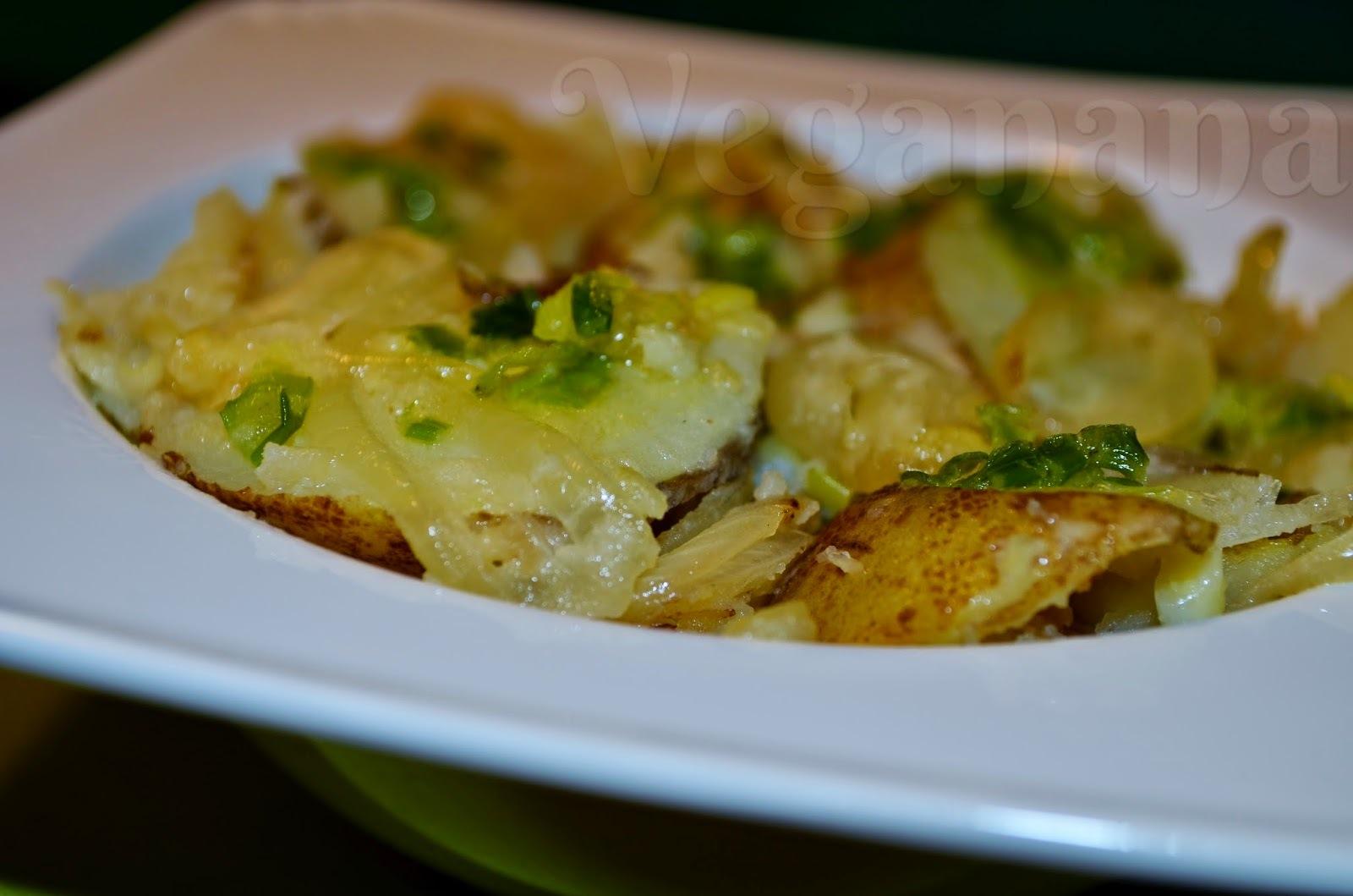 Batatas na Frigideira com Cebolas Douradas