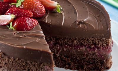 bolo de chocolate sem farinha e assado em banho maria