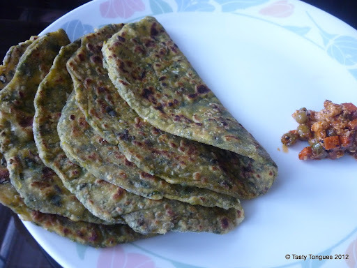 Methi and Cabbage Thepla