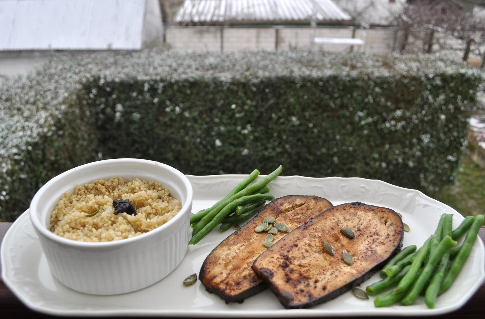 Quinoa a marinovaný baklažán  - tak ako to máme radi