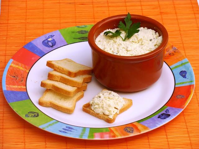 Pasta de queijo para torradas