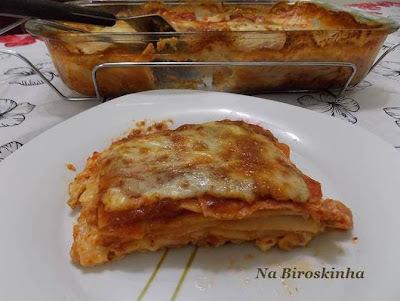 lasanha de queijo e presunto com massa de lasanha crua