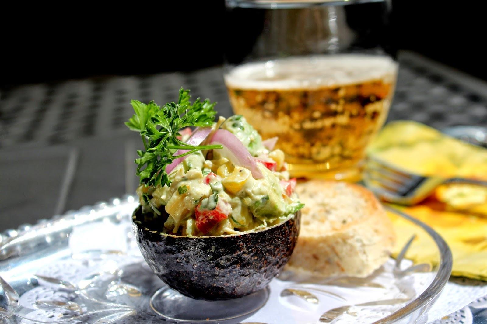 Pečeni kukuruz i avokado salata