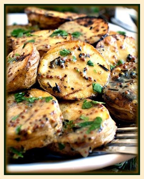 Batatas grelhadas ao molho de mostarda