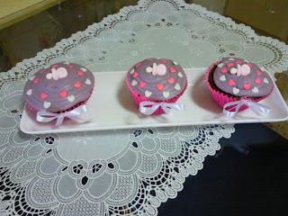 cobertura de chocolate para cupcake com margarina e açúcar confeiteiro