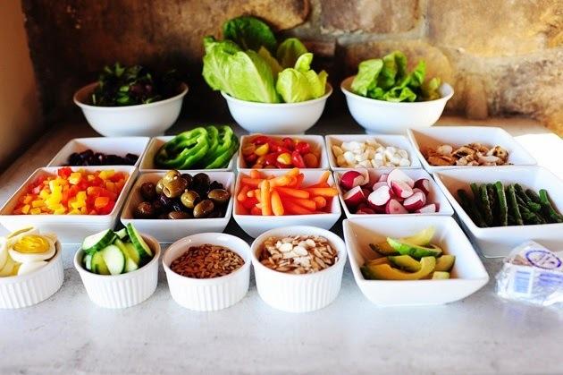 Barras de ensaladas :: el menú perfecto para un evento súper saludable