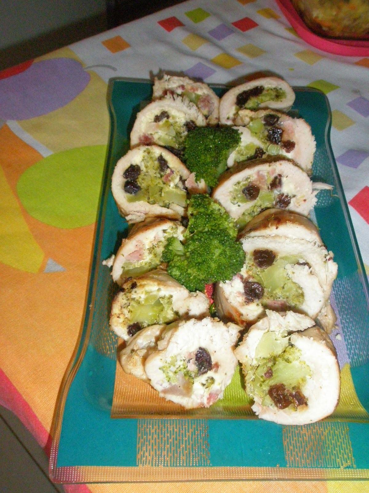 Filé de frango recheado com brócolis,bacon e cream cheese.