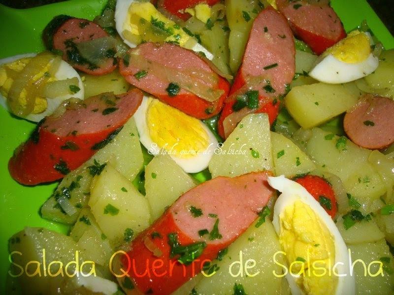 Salada quente de batata com salsicha