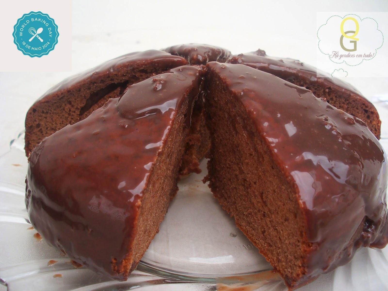 Bolo de Brigadeiro com Calda de Brigadeiro - World Baking Day!