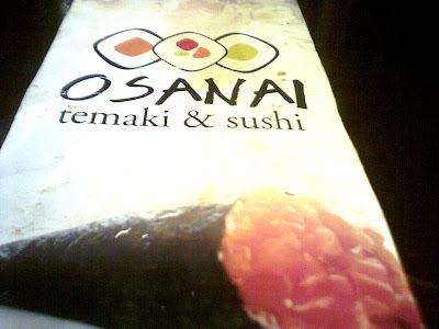 de temaki de salmão com cream cheese grelhado