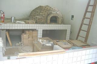 Forno a lenha para pizzaria. (profissional)