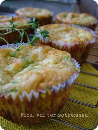 Muffin de abobrinha e queijo