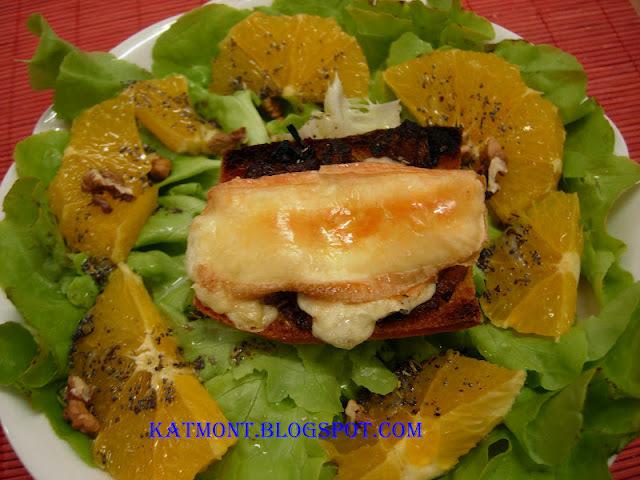 Tartine au maroilles e salada verde com laranja